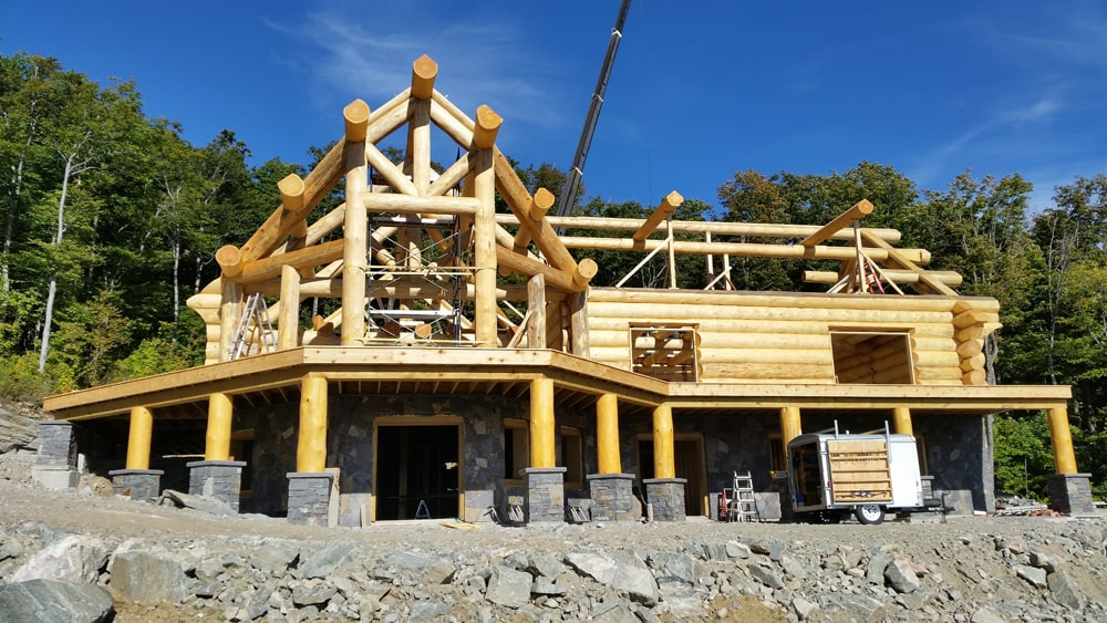 constructing custom luxury log cabin build