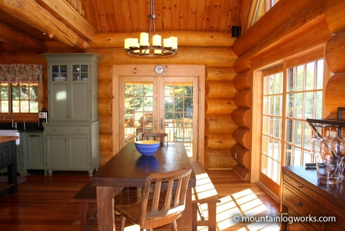 Cozy log cabin kitchen dining room